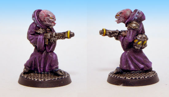 Genestealer hybrid with flamer